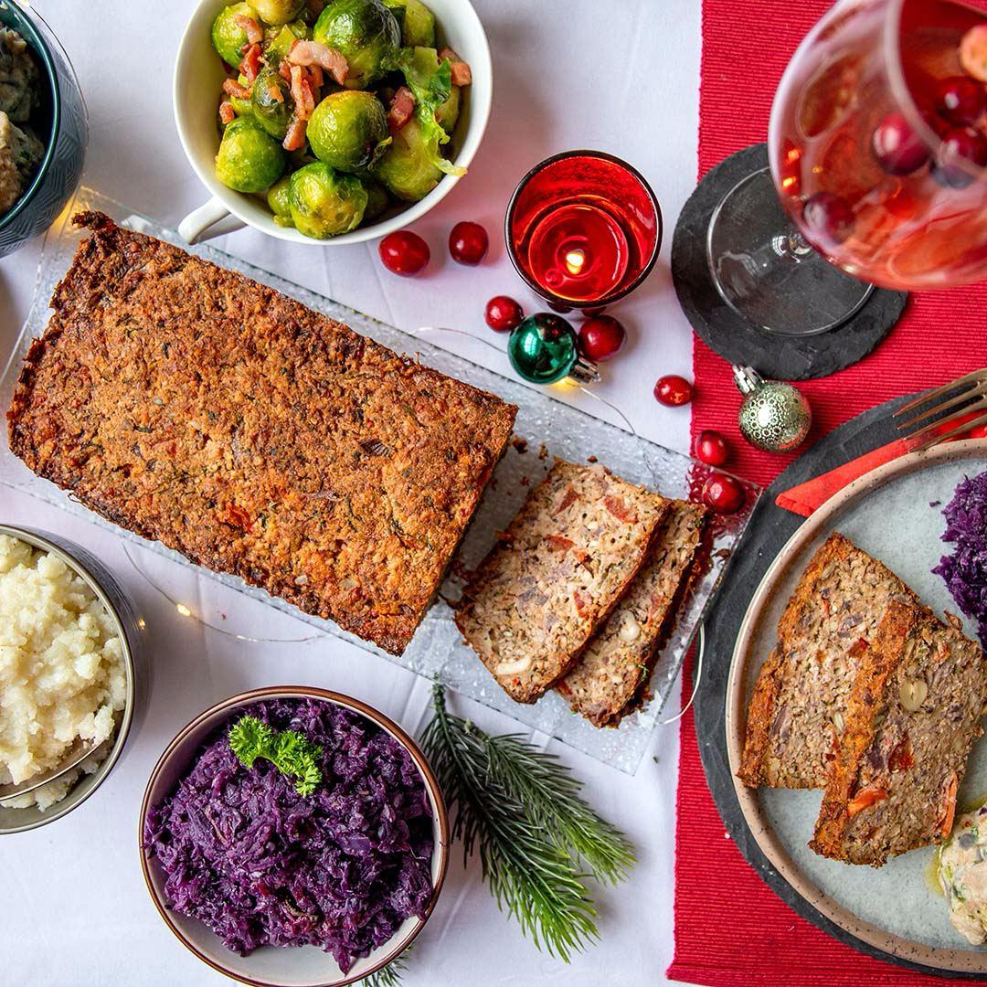 Vegetarischer Low-Carb & Keto Käse-Nuss-Braten
