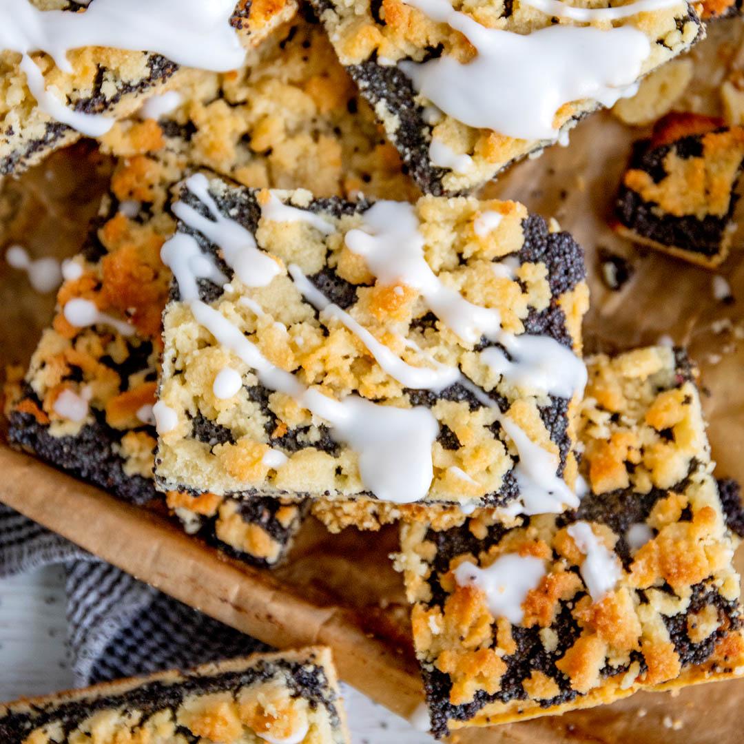 Low-Carb & Keto Mohnkuchen mit Streuseln vom Blech