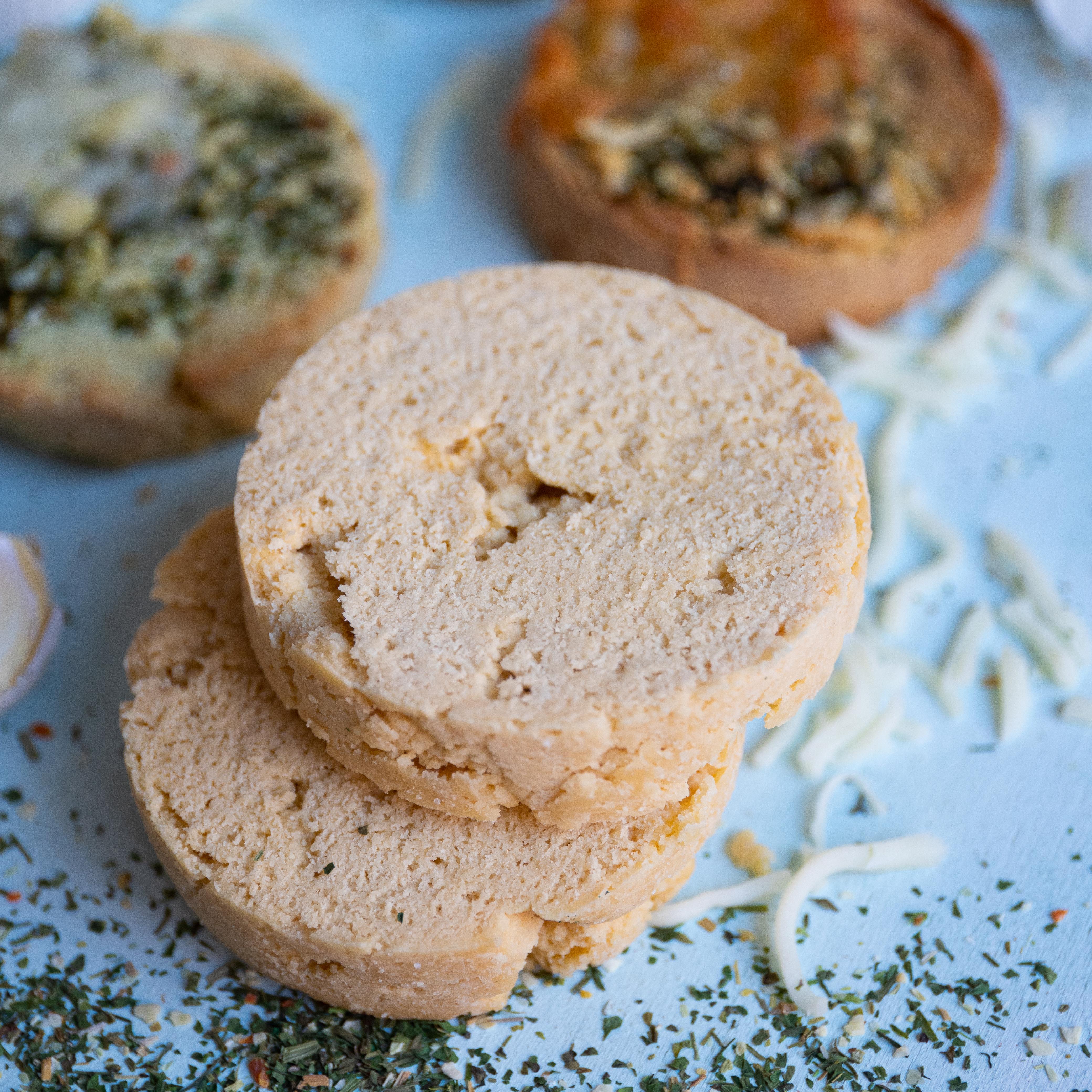 Einfaches Keto-Brot aus der Tasse