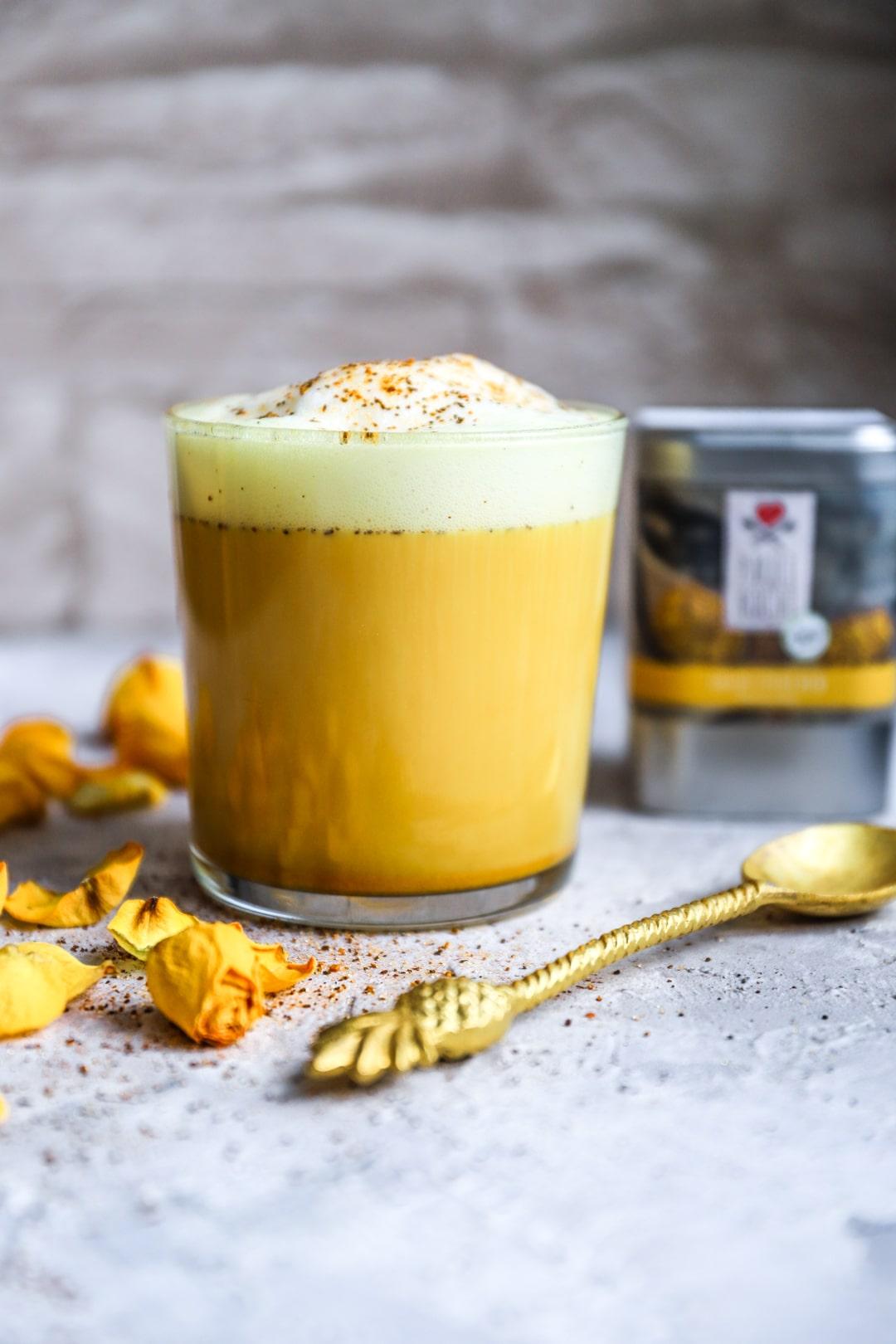 Golden_Milk_Goldstuckchen-3-min