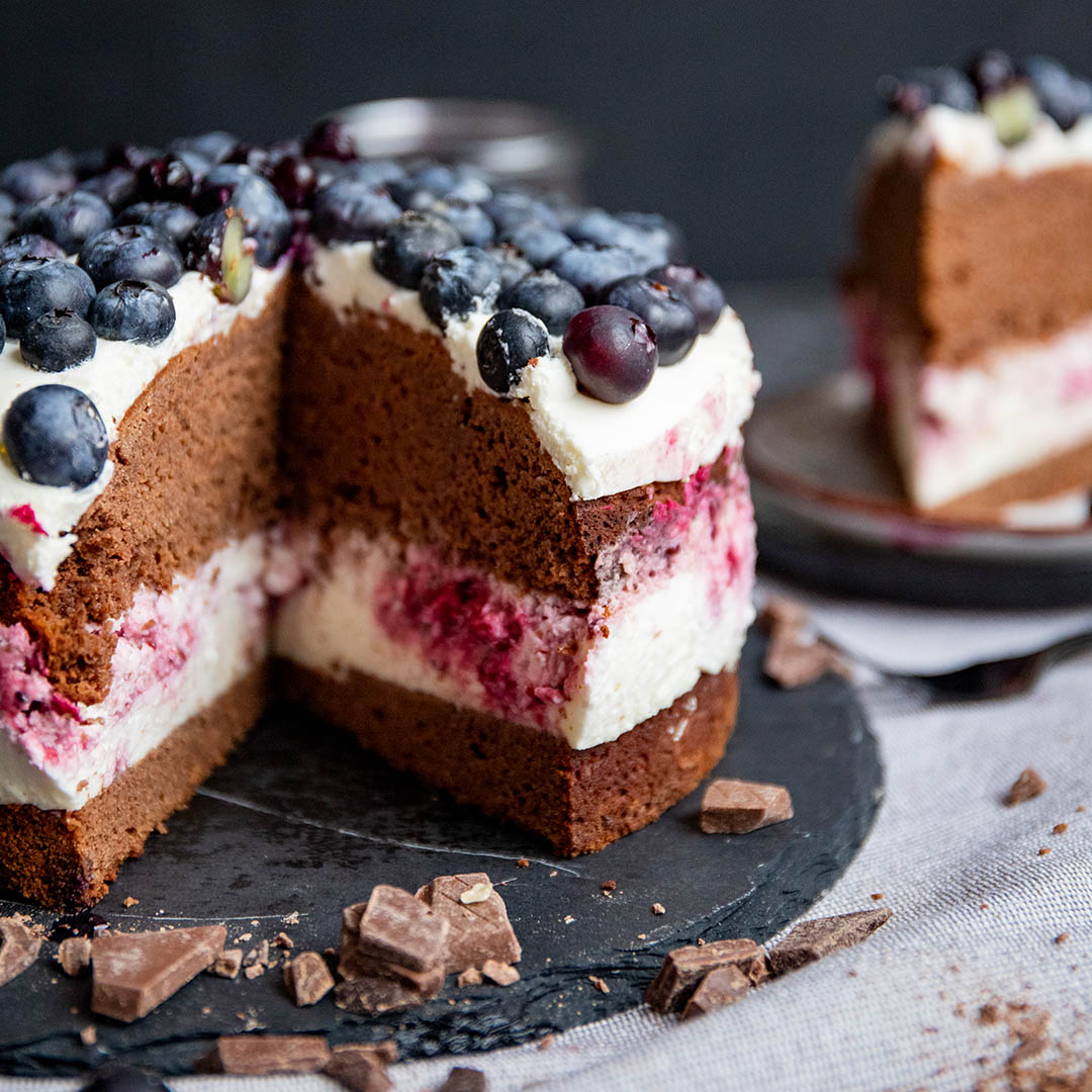 Low-Carb & Keto Blaubeer-Swirl-Kuchen